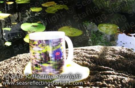 Water Lilies Floating mug