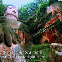 Travel theme: Mountains - Colossal Le Shan Buddha